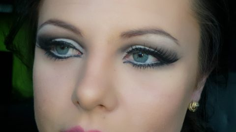 Dramatic Cut Crease Makeup Tutorial