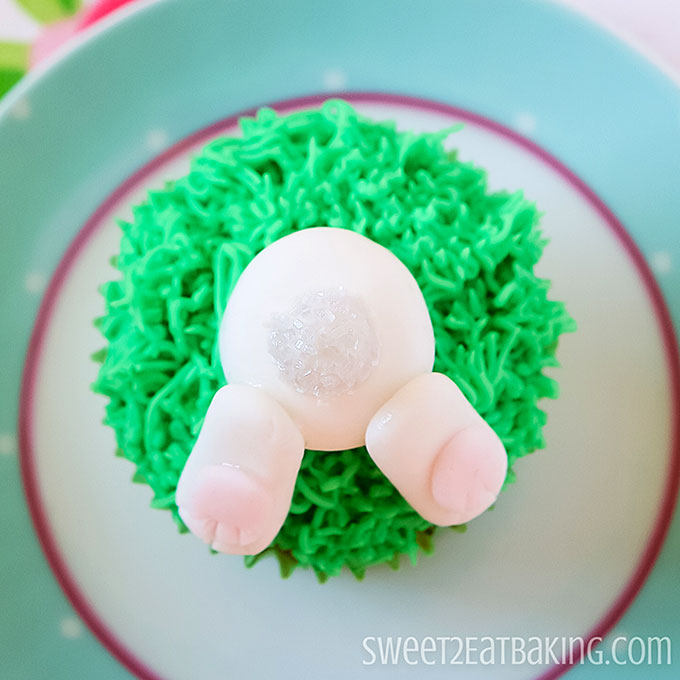 easter-bunny-butt-cupcakes-recipe-3