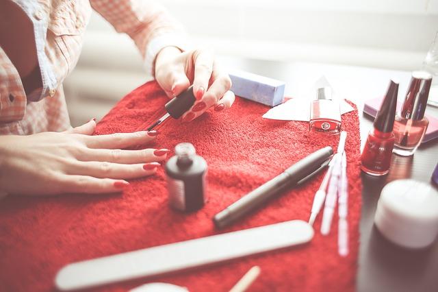 sa_1548935618_manicure