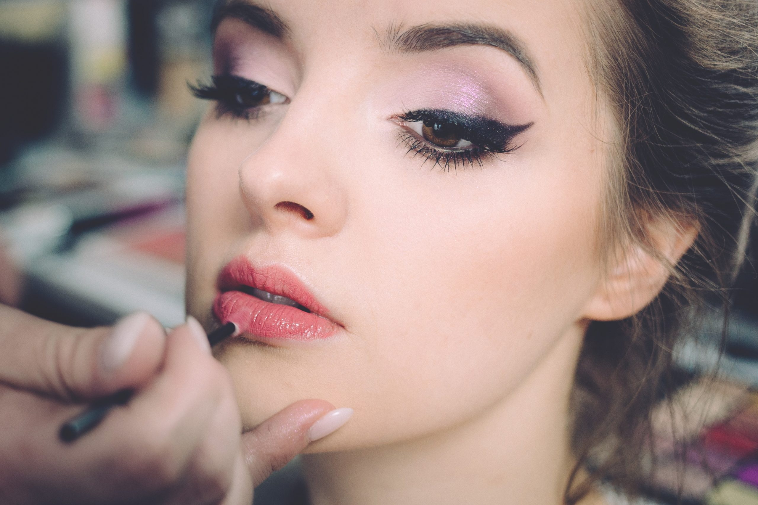 5 Simple Steps To Apply False Lashes